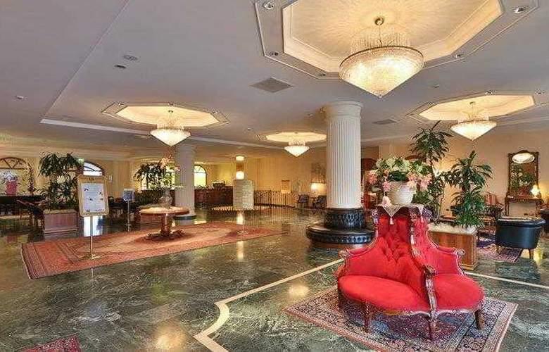 Best Western Globus City - Hotel - 13