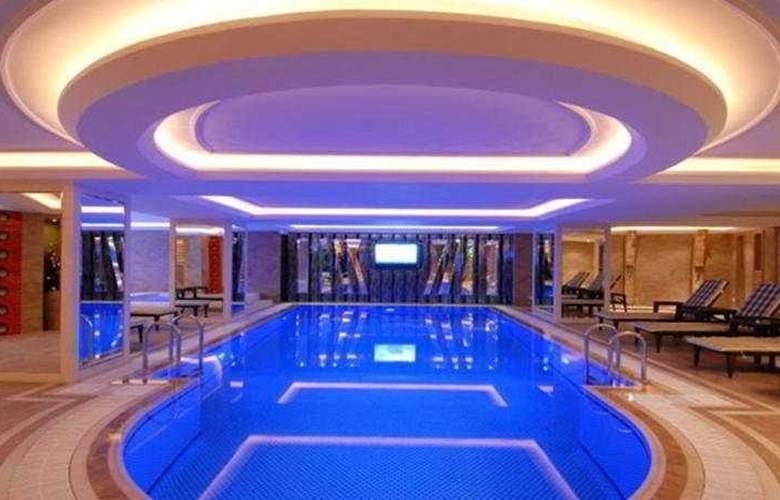 Mosaic - Pool - 8