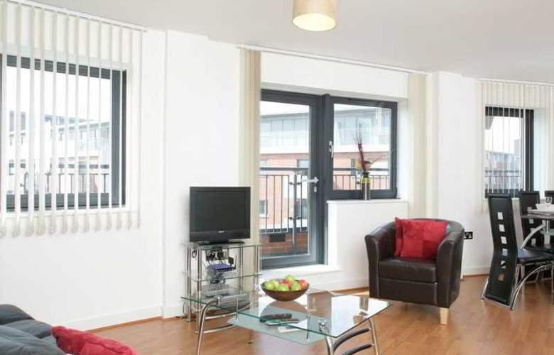Comfort Zone Cutlass Court Apartments - Room - 2