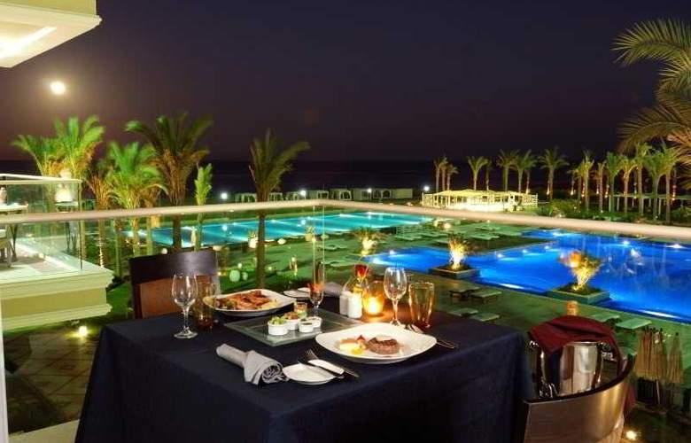 Premier Le Reve Hotel & Spa - Terrace - 8