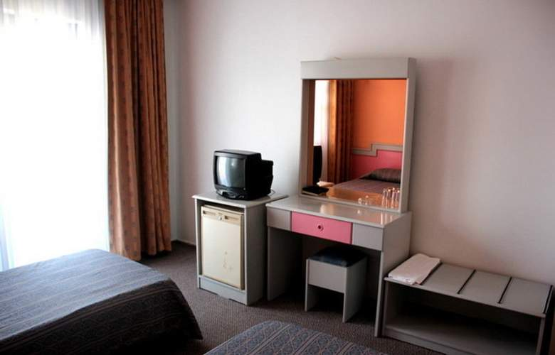 Aymes Hotel - Room - 8