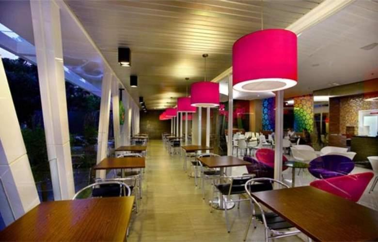 Favehotel Wahid Hasyim Jakarta - Restaurant - 14
