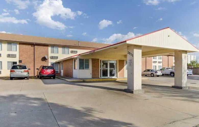 Econo Lodge - Hotel - 2