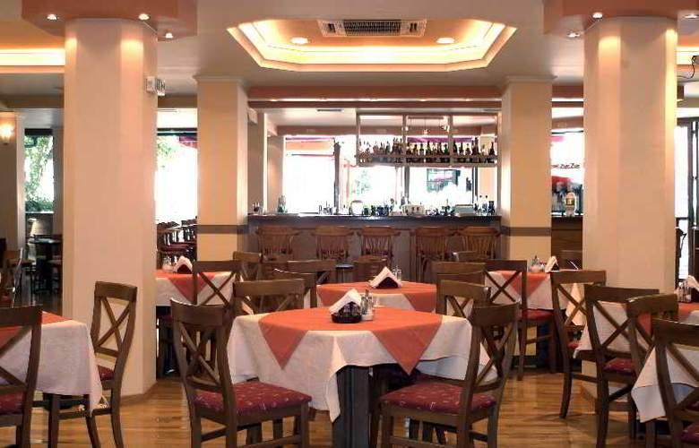 Louvre - Restaurant - 6