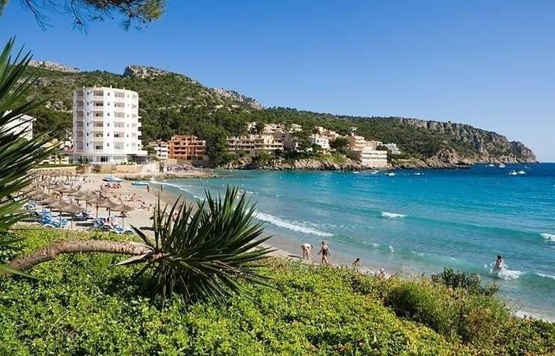 Universal Hotel Aquamarin - Beach - 15