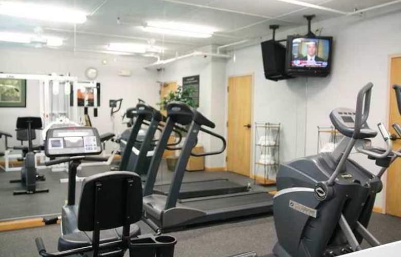 Hampton Inn Syracuse-North (Airport Area) - Hotel - 4