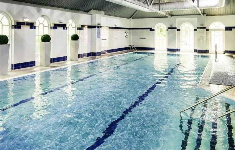 Mercure Southgate - Pool - 44