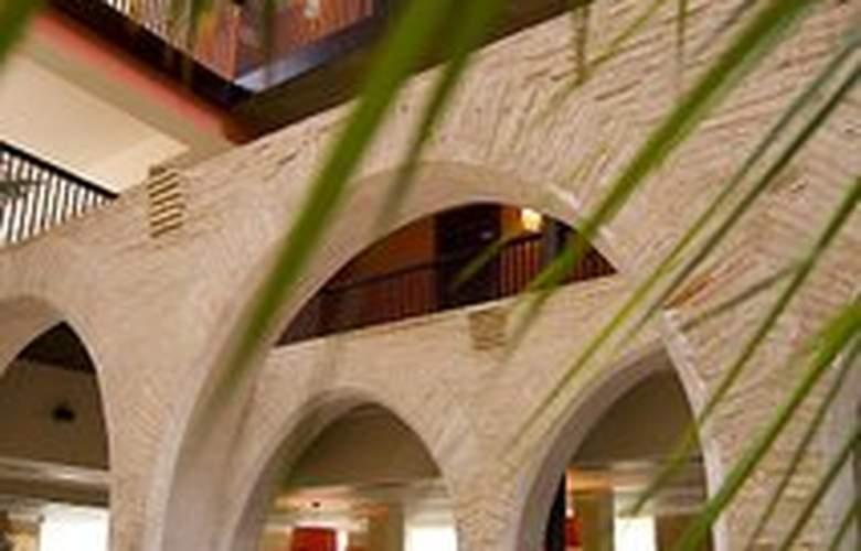 Monasterio Benedictino - Restaurant - 5