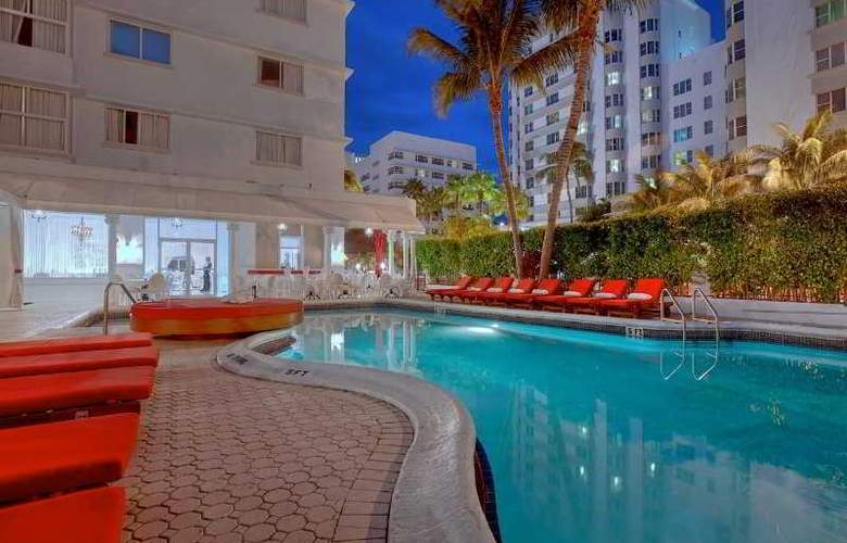 Red South Beach Hotel - Pool - 6