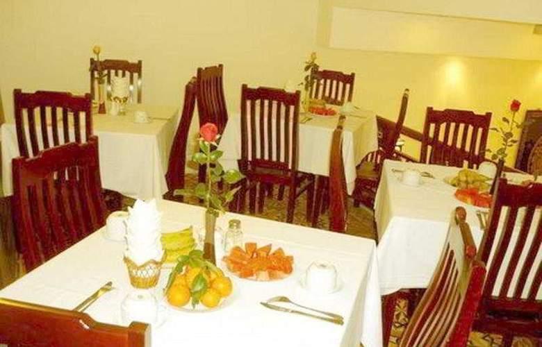 Golden Wings - Restaurant - 6