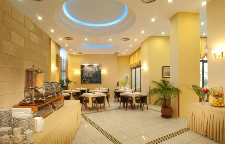 Alexandra - Restaurant - 3