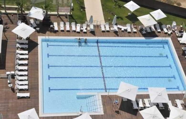 West Hotel - Pool - 4