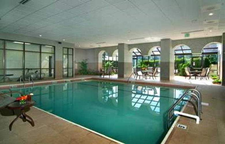 Embassy Suites Hotel - Pool - 5