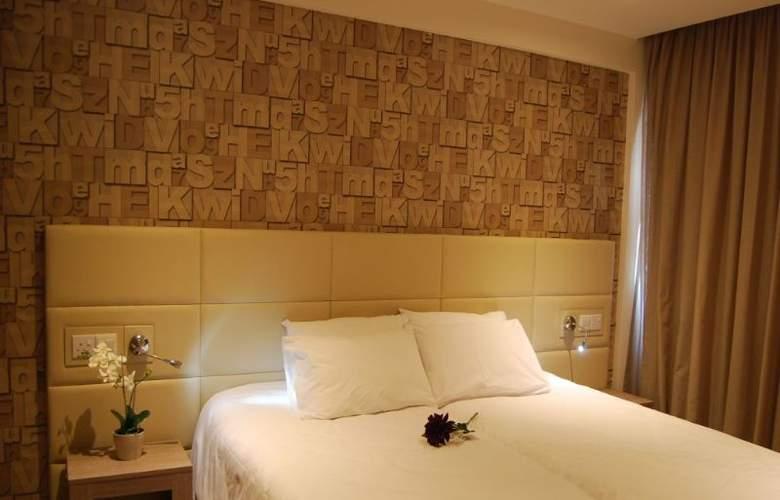 Melpo Antia - Room - 4