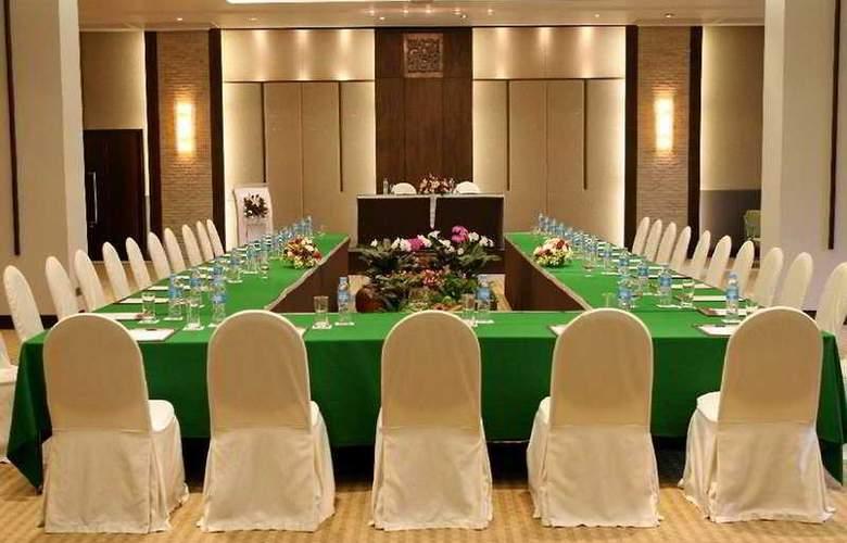 Amari Rincome - Conference - 9