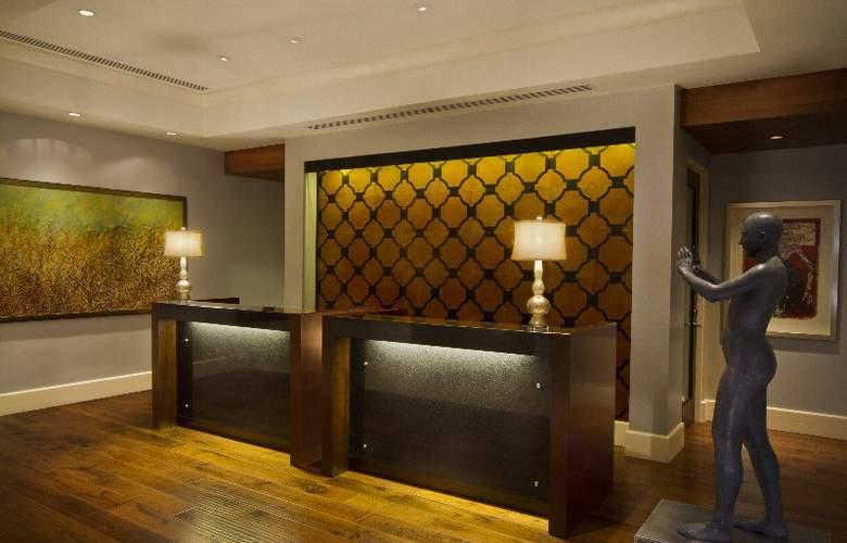 The Bristol Hotel - Hotel - 7