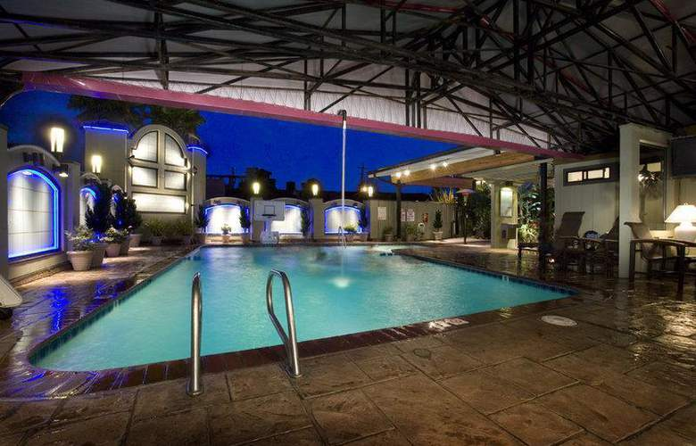 Best Western Plus Humboldt Bay - Pool - 3