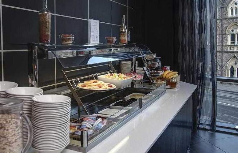 Clayton Cardiff - Restaurant - 66