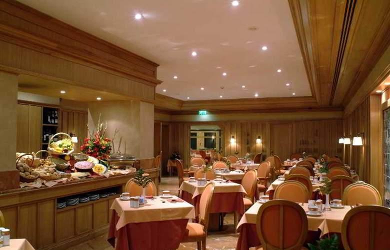 Real Palacio - Restaurant - 22