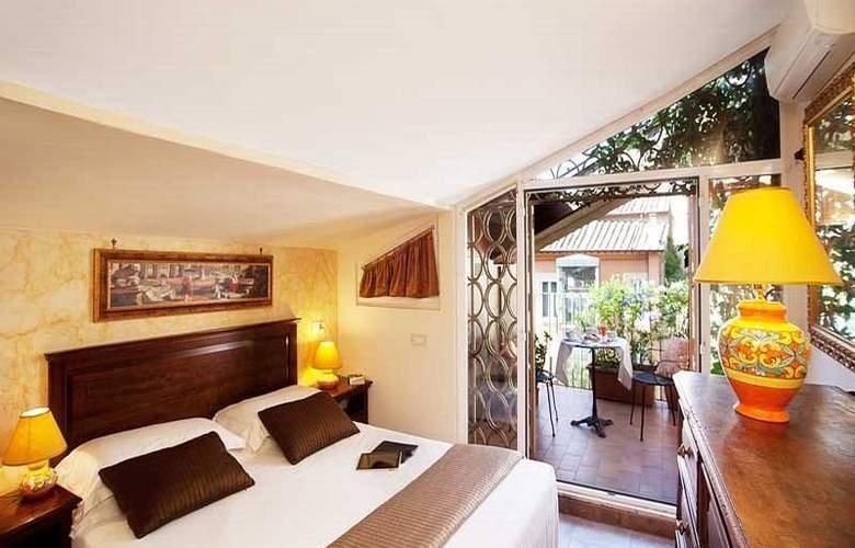 Pantheon Inn - Room - 3