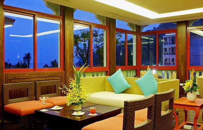 Centara Grand Beach Resort Phuket - Bar - 36
