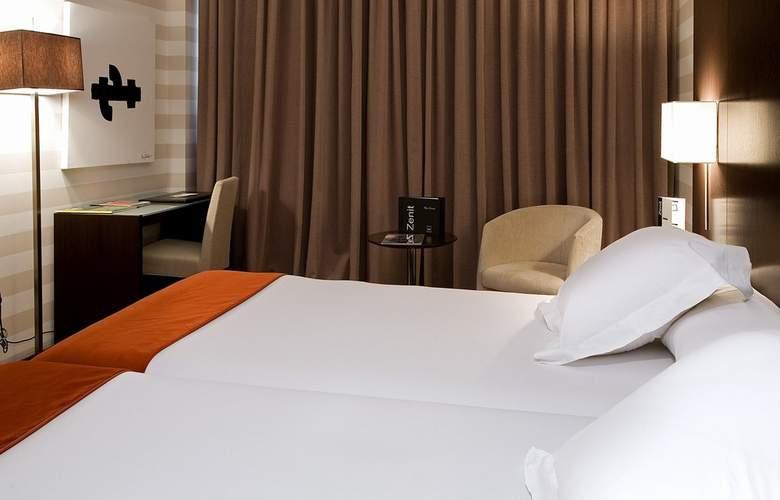 Zenit Pamplona - Room - 19