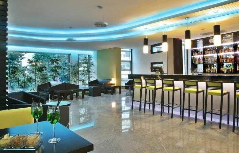 SANA Capitol Hotel - Bar - 11