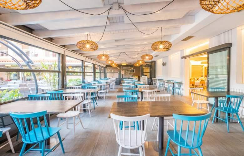 Golden Avenida Suites - Restaurant - 15