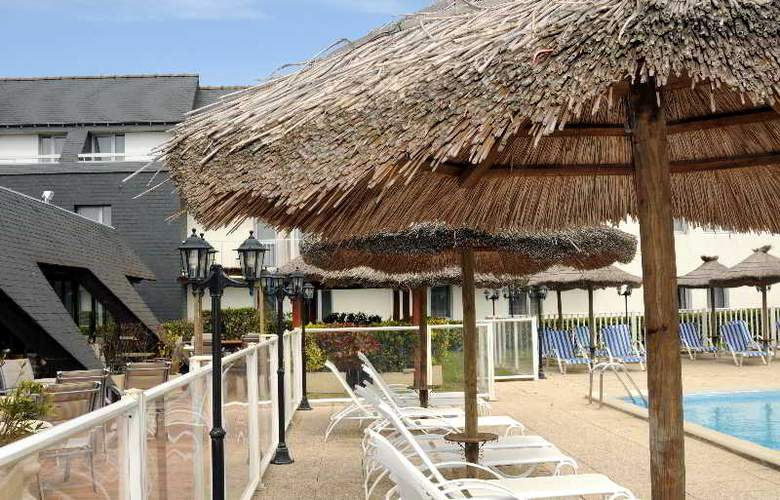 Inter-Hotel Aquilon Saint-Nazaire - Pool - 13