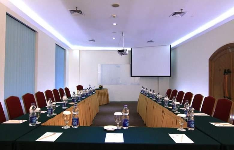Ibis Mangga Dua & Apartments - Conference - 12