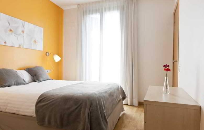 MH Apartments Sagrada Familia - Room - 9