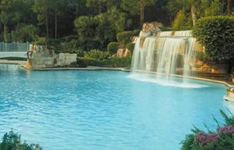 Walt Disney World Dolphin Resort - Pool - 4