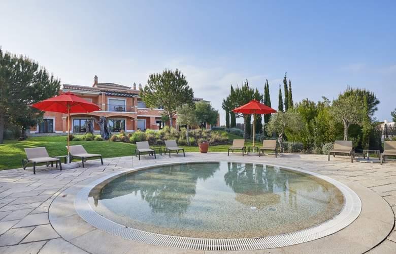 Cascade Wellness & Lifestyle Resort - Pool - 19