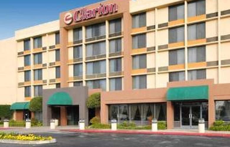 Clarion Hotel - Hotel - 0