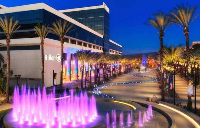 Hilton Anaheim - Hotel - 3