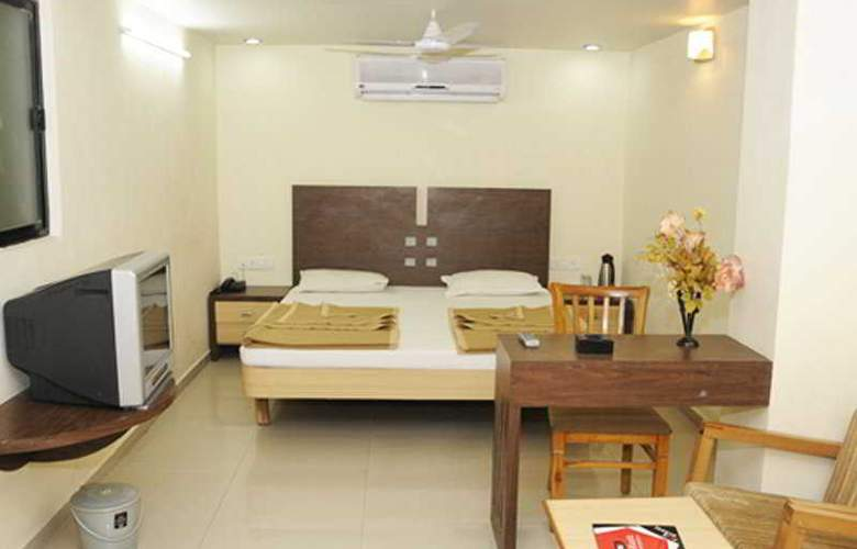 Neelkanth Panshikura - Room - 3