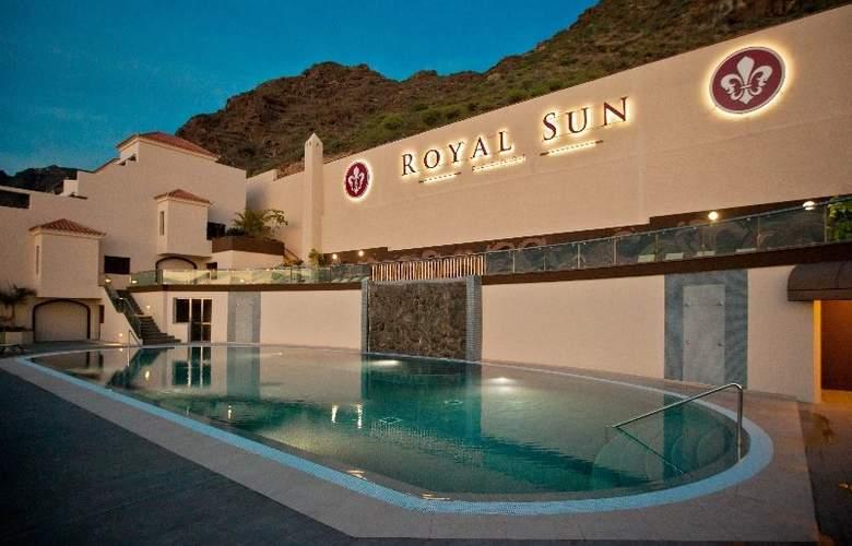 Royal Sun Resort - Pool - 24