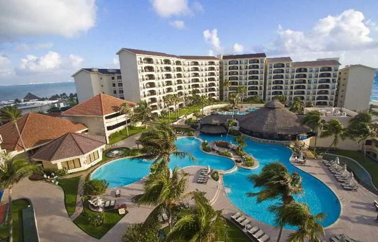 Emporio Hotel & suites Cancun - Pool - 15