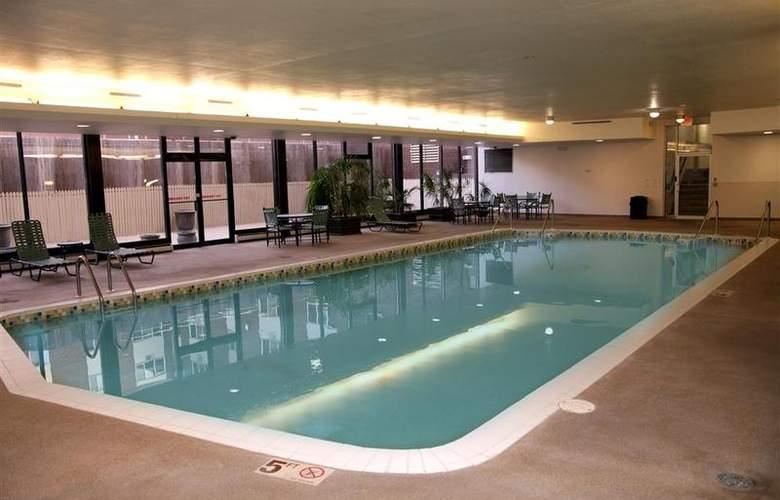 Best Western Woods View Inn - Pool - 95