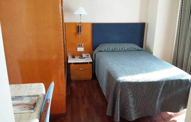 Villacarlos - Room - 11