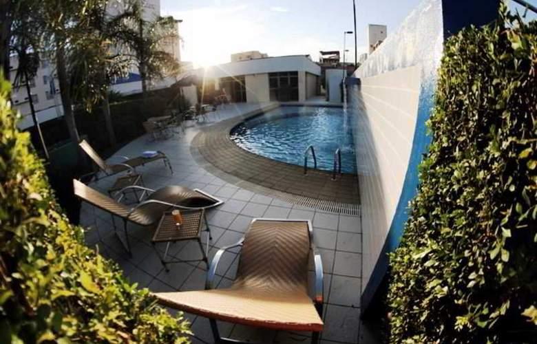 Comfort Hotel Uberlandia - Pool - 7