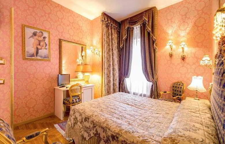 Romance - Room - 4
