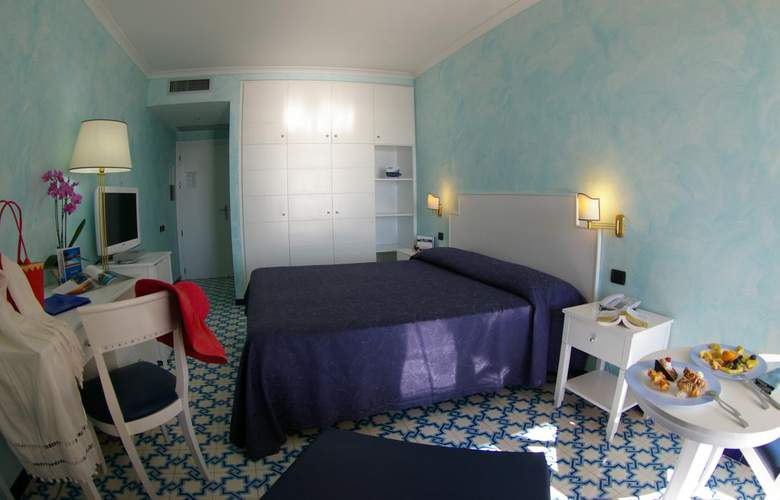 Saline - Room - 5