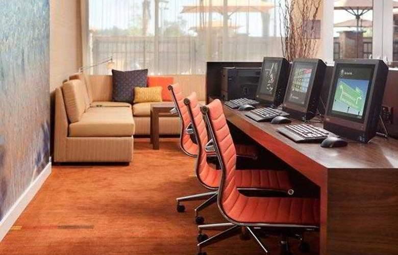 Courtyard San Diego Oceanside - Hotel - 11