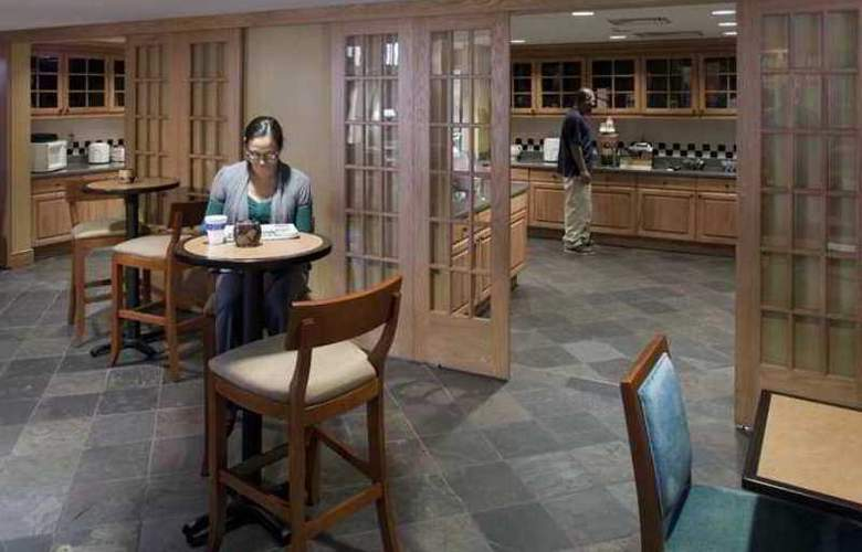 Hampton Inn & Suites Pueblo-Southgate - Hotel - 7