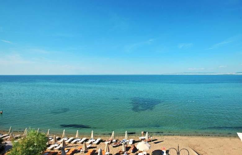 Golden Star Hotel - Beach - 28