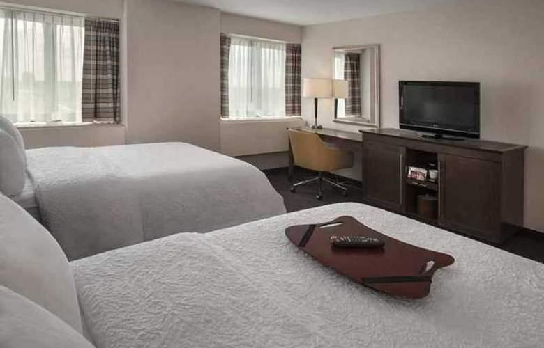 Hampton Inn & Suites Milwaukee Downtown - Hotel - 0