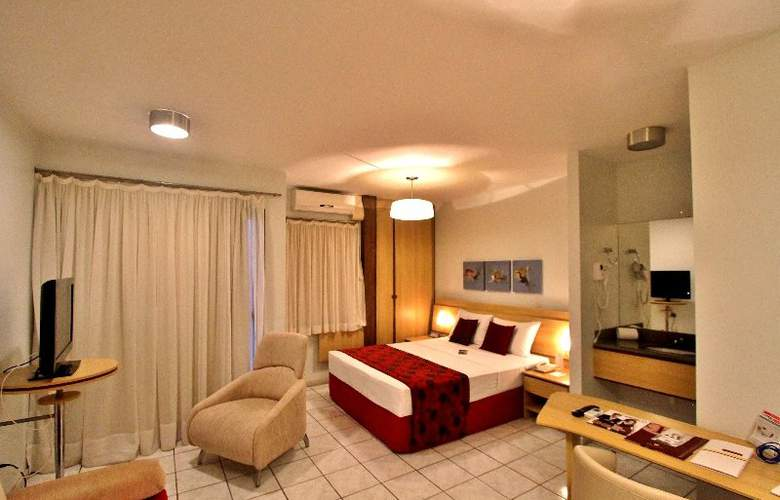 Bristol Century Plaza - Room - 3