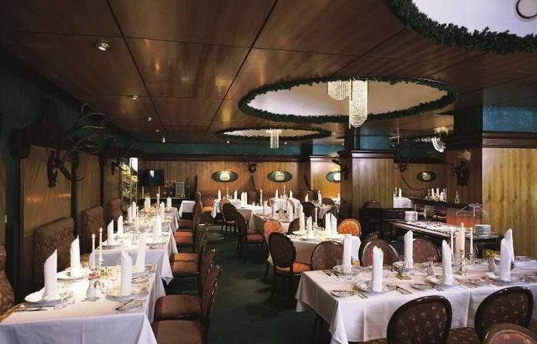 Ambassador-Zlatá Husa - Restaurant - 2
