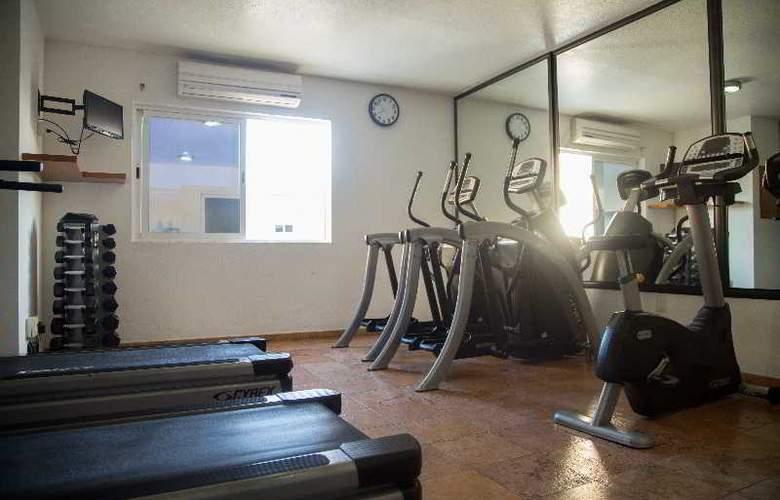 Quality Inn Mazatlan - Sport - 16